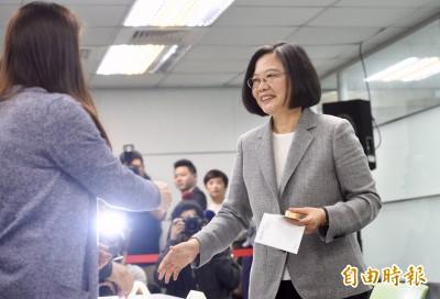 諷韓粉測字說 網友拆字「蔡英文」又入主總統府again!