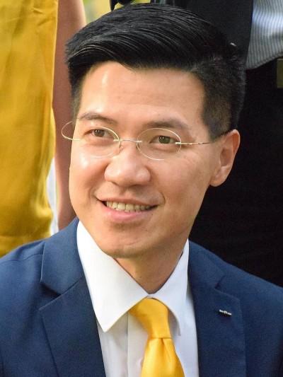 不想香港「中國化」 港議員要求削減單程證配額取回審批權