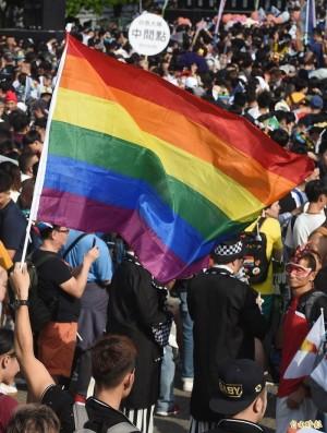 台男與日男友同居25年 爭得日本首發同性伴侶居留許可