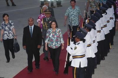 蔡總統抵諾魯 參加機場歡迎儀式