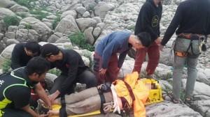 疑攀岩不慎跌落10米 女子骨折多處擦挫傷送醫