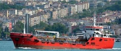難民變海盜!運油輪救起120人蛇 反遭劫船航向歐洲