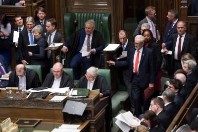 脫歐再陷膠著 英國會8項脫歐提案全遭否決