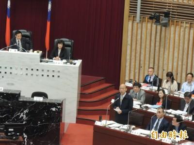 拒絕一國兩制被問是否真心 韓國瑜:要我脫外套、手握心臟說嗎