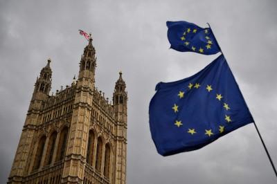 歐洲議會通過法案  英國無協議脫歐仍能免簽赴歐