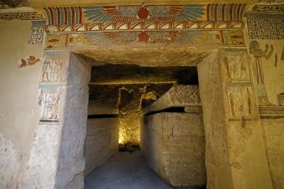 埃及新陵墓出土50具木乃伊 可追溯至2千年前托勒密王朝