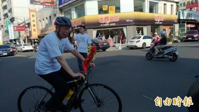 跟大甲媽進香 柯P「凍未條」改騎腳踏車