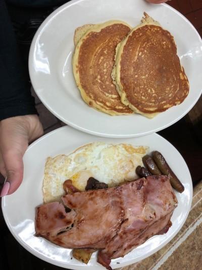 又失言?韓國瑜笑稱「吃勞工早餐」 網轟:自以為皇帝出巡