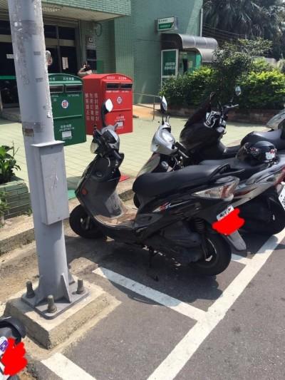 停車格裡「種」路燈?!市府:盡速重新規劃