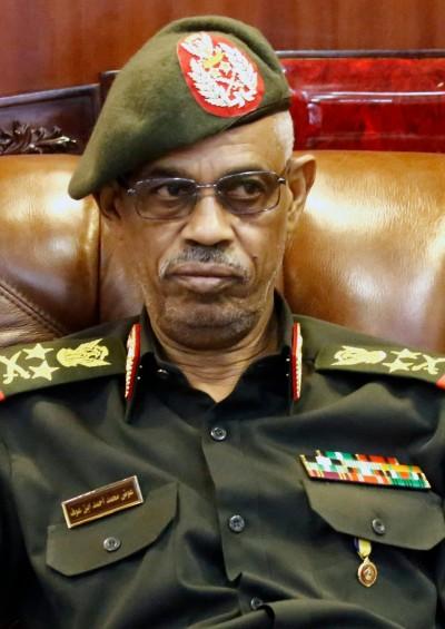 推翻蘇丹總統才一天 軍事委員會主席閃辭