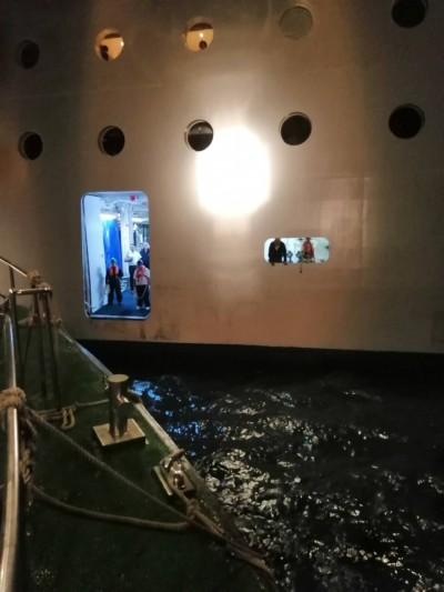 郵輪韓籍乘客海上急病 台中海巡快艇後送解危
