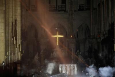 巴黎聖母院大火 首張火場內部照片曝光...