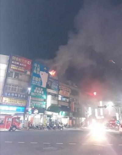 新北三重公寓大火 2名8旬老翁燒燙傷送醫