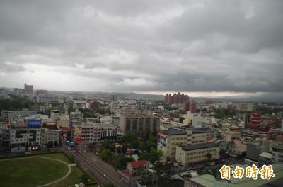 颮線行經、對流雲系旺盛 嘉市最大平均風力6級