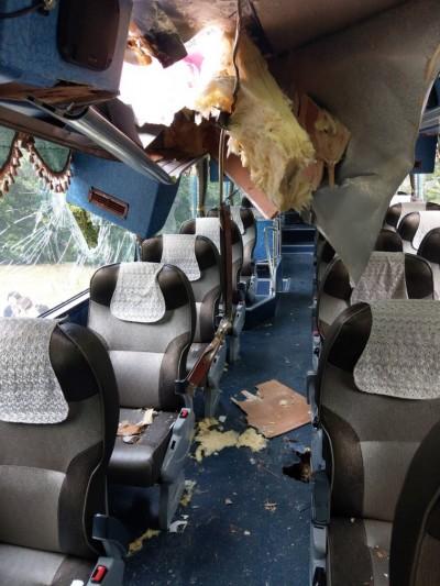 太魯閣落石砸穿遊覽車 一韓籍女遊客受傷