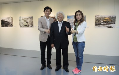 暖心!旅日「總舖師攝影家」新營首展 義賣作品做公益