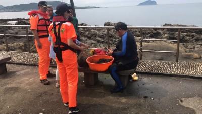 好貴的龍蝦! 自稱潛水抓海鮮補貼家用卻違法 恐罰15萬