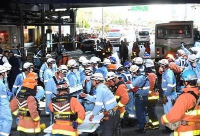 日公車撞飛人群釀2死6傷 司機:踩煞車卻往前衝