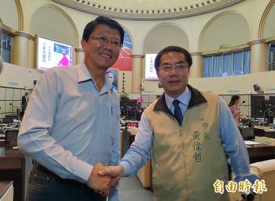 謝龍介邀半年後赴中國賣水果 黃偉哲:我願意