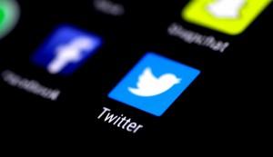 推特用戶年輕、教育程度高 較一般民眾支持民主黨