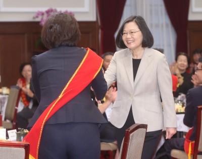 蔡總統:台灣因勞工而偉大 拚經濟不會忘記分配