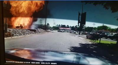恐怖!「漢堡王」點餐 貨車上漏氣瓦斯罐突爆炸變一團火球