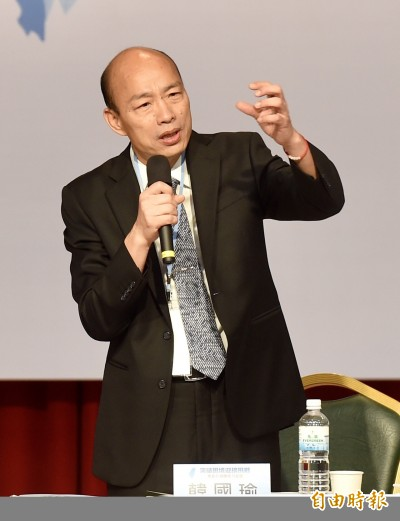 韓國瑜「征服宇宙」引爆爭議 王丹先罵再諷