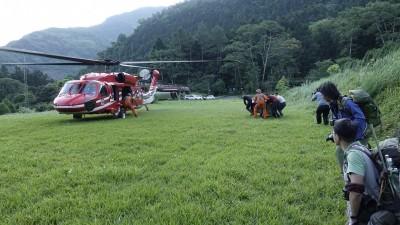 黑熊野放遭登機跟拍 林務局:媒體稱要拍黑鷹直升機專題