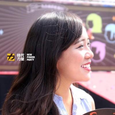 「白眼女神」女神批韓國瑜討拍 黃捷:拒絕「口號治國」