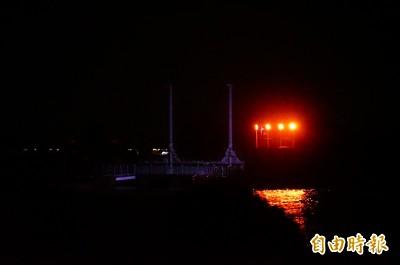 因颱風封閉兩年半…大鵬灣被遺忘的蚵殼島「點燈了!」