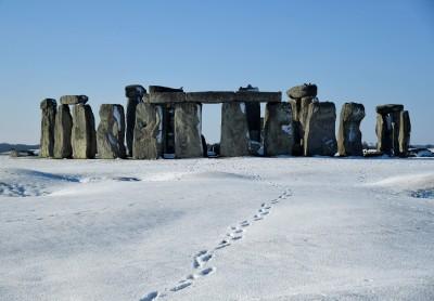 合體! 英國巨石陣 60年前消失的柱心回來了