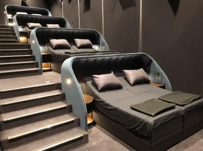 會不會有人做「奇怪的事」? 瑞士新戲院竟有「雙人床影廳」