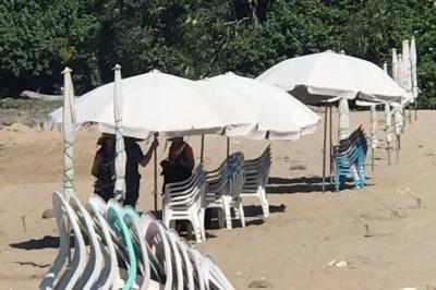 堅持免費使用墾丁沙灘洋傘 男子與船帆石業者互控進警局