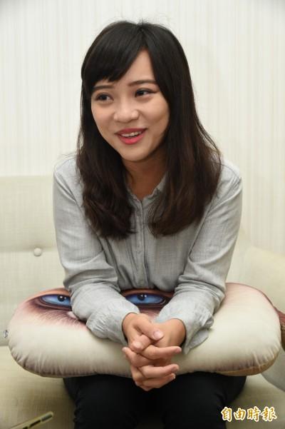 韓國瑜發展南部國際機場說帖惹議 白眼女神黃捷意外給肯定