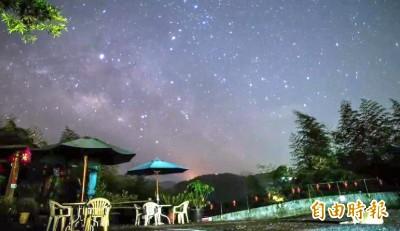 南投大崙山新玩法 一趟旅程看雲海、螢光、星空…