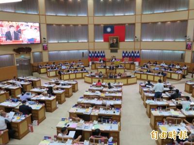 六都議員PK》新北議員轟柯P:對議員質詢指指點點 破壞民主