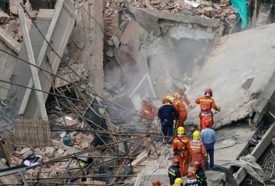 上海改建廠房倒塌 已知7死2受困