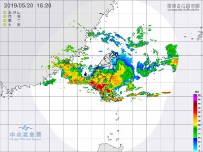 雷雨交加!16小時閃電已28萬次 快閃鋒面短時強降雨轟全台
