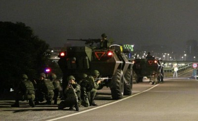 「漢光」將至 憲兵裝甲車營區外警戒畫面罕見曝光