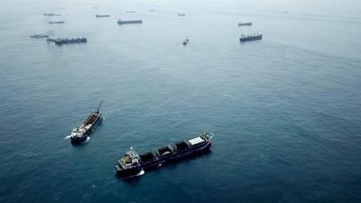 台灣淺堆中國鐵殼船群聚抽砂 漁民憂破壞小管棲地