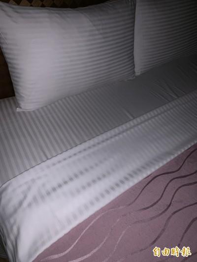 目擊老婆被陌生男載進摩鐵 他堅守1小時獲床單通姦鐵證