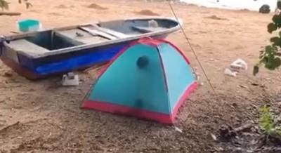 沙灘帳篷忘情打野炮 女方銷魂叫聲引來遊客錄影