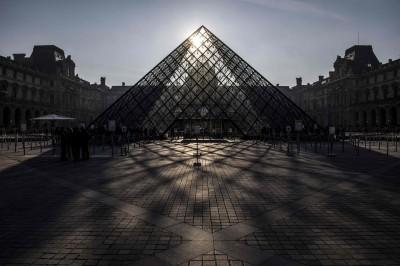觀眾太多也頭大! 巴黎羅浮宮無預警罷工1天