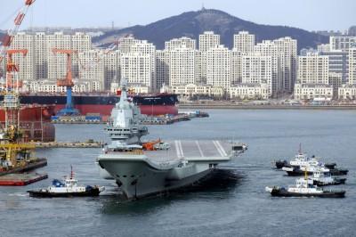 中共第一艘國造航母 首次測試艦載機起降