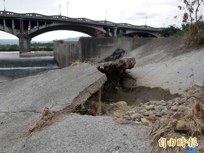 520大水沖毀大里溪護岸 居民盼速修復