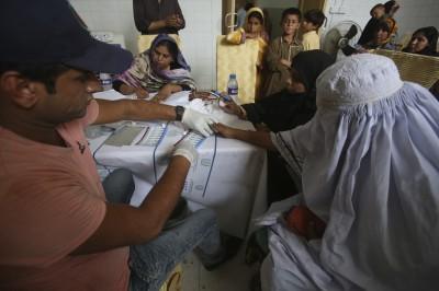 無良醫重複用針 巴基斯坦500童感染愛滋