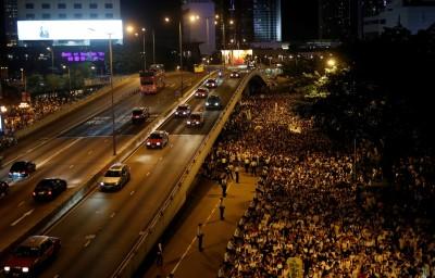 香港反送中與台無關?律師警告曾用臉書罵中國的人