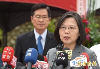 連發臉書聲援 蔡英文:台灣撐香港,我們守台灣
