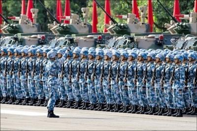 習近平看了港人示威影片…傳解放軍「待命」