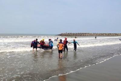 到漁光島海泳「游不回來」 3人幸獲警消救回